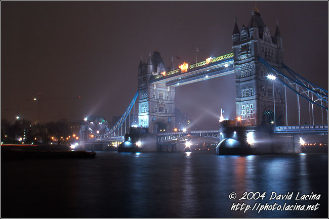 Moody London - London In The Night, England