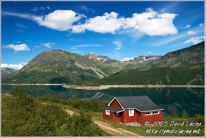 Typical House By A Lake - Best of 2005, Norway