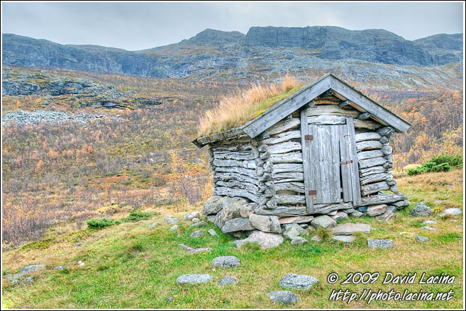 Small Hut In Nord-Hydalen - Autumn In Hemsedal, Norway