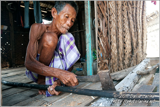 Cutting Wood - Sea gypsies - Bajau Laut, Malaysia