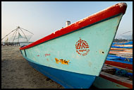 Boat By Chinese Nets, Cochin - Chinese Nets (Cheena vala), India