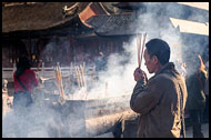 Praying In Yuantong Temple, Kunming And Shilin, China
